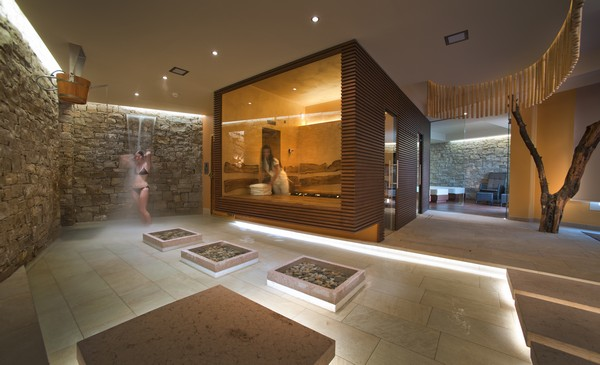 Dhara wellness centre in italy by alberto apostoli for Design hotel nrw wellness