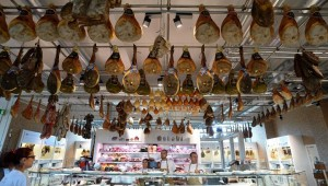Gourmet Eataly Defies Crisis to Open Vast Food Hall in Rome