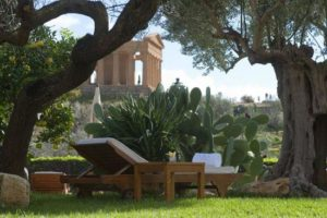 The Most Elegant Picnic in the World in the Valley of the Temples Agrigento