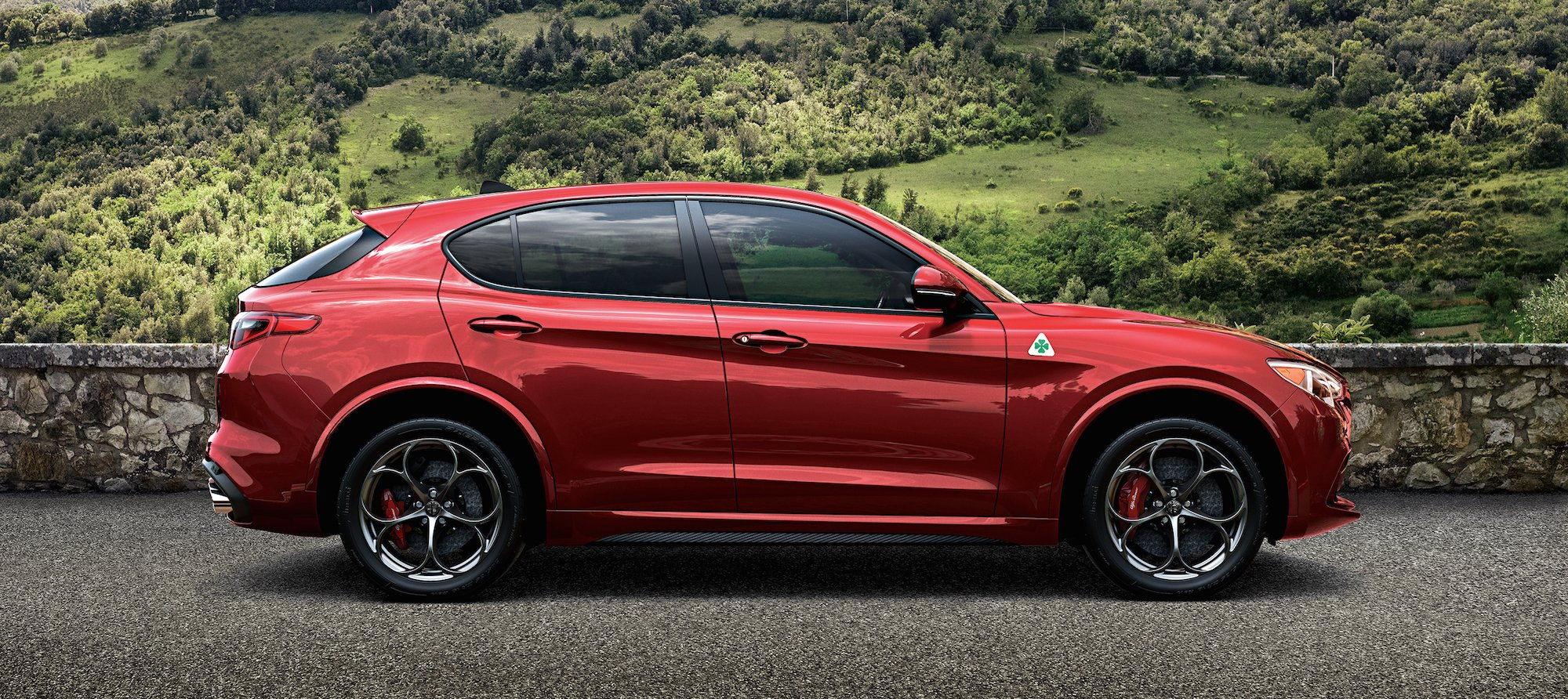 alfa romeo stelvio debuts at la auto show italia living. Black Bedroom Furniture Sets. Home Design Ideas